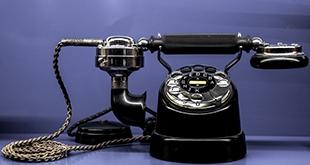 De telefoon gaat alweer…